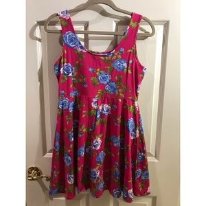 Forever 21 Dresses - Forever 21 Sleeveless Hot Pink Floral Dress